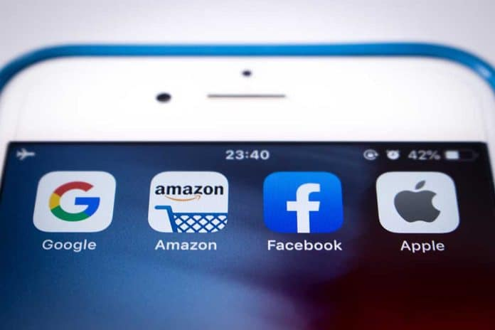 Lawmakers Unveil New Bill Targeting App Stores